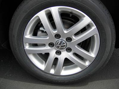 Jetta V Wheels and Tires